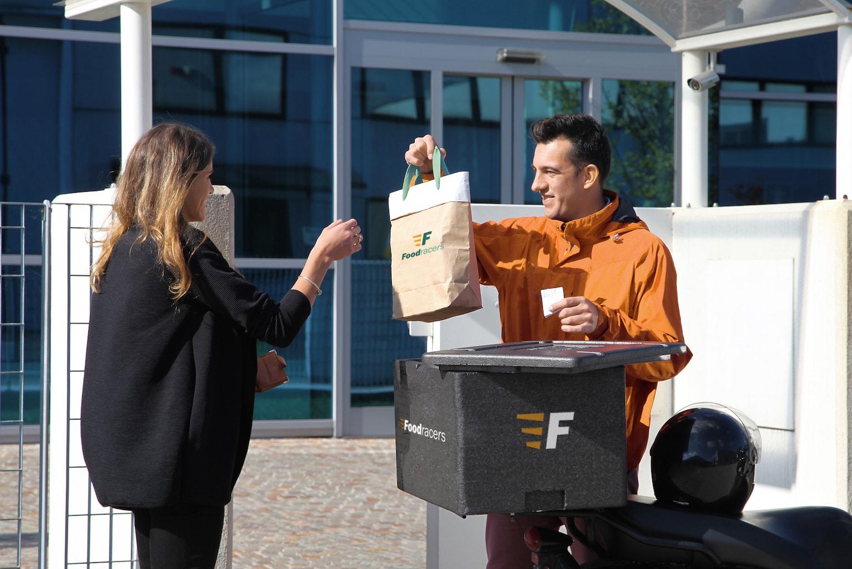 09_FoodRacer_Consegna-min