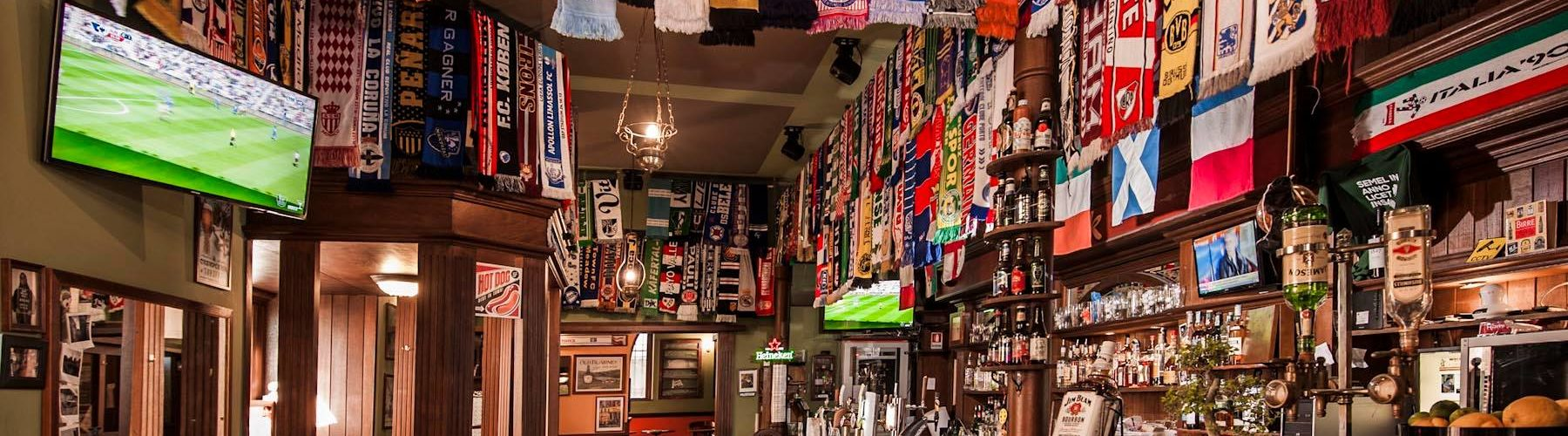 pubs showing football