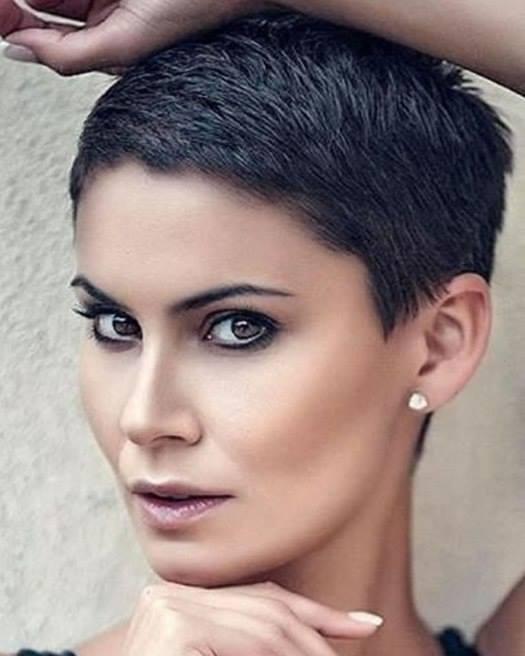 Tagli capelli corti 2019 donne foto