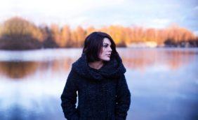 Mantelle, cappe e cappotti: ecco i rimedi contro il freddo