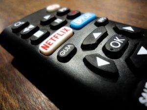 Telecomando devices netflix per guardare serie tv