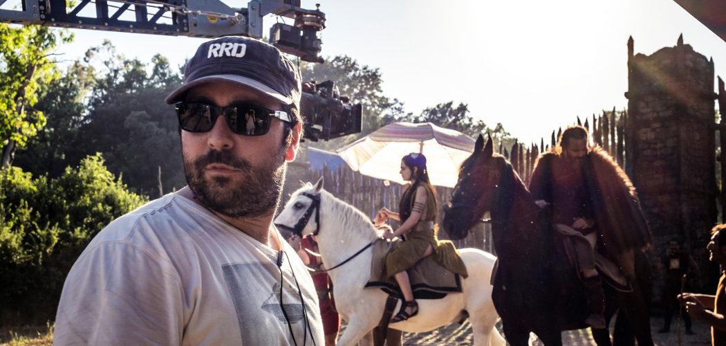 Matteo Rovere sul set di Romulus. Foto di Francesca Fago per SKY
